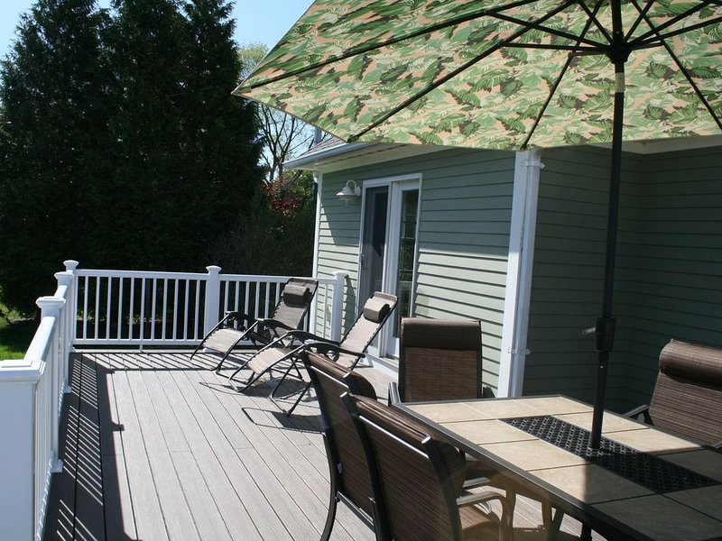 Beautiful home in ideal location near Second and Third beaches, holiday rental in Middletown