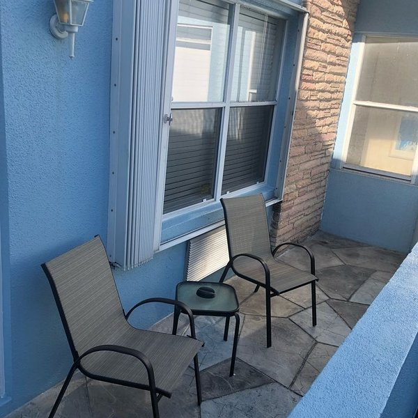 Steps from the Beach, 1 bedroom Apartment, holiday rental in Hollywood