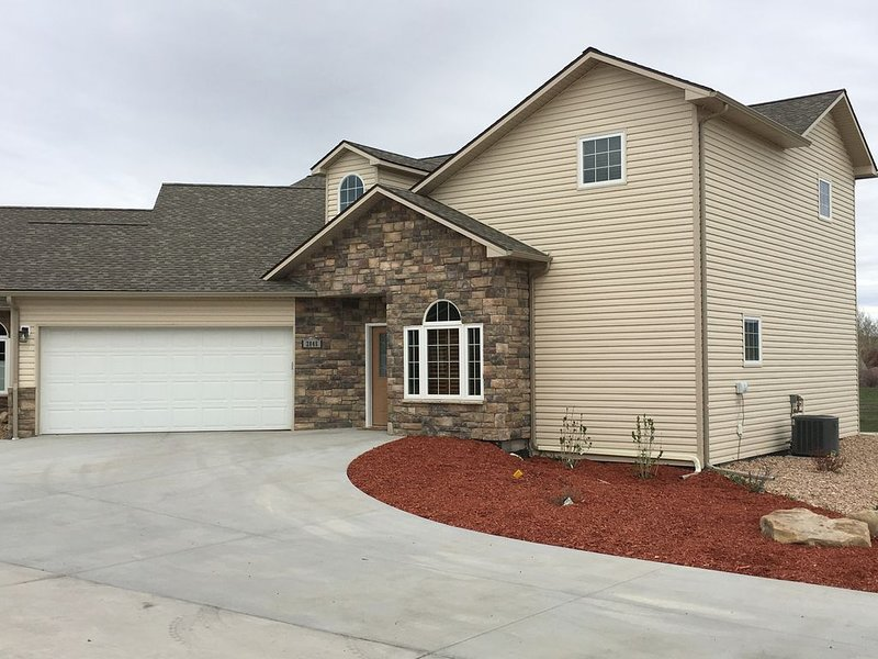 Front view of End Unit Townhome