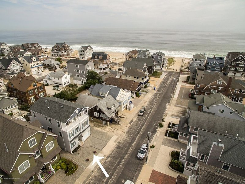 Large Normandy Beach Ocean block.  Book your fall weekends before they are gone, holiday rental in Lavallette