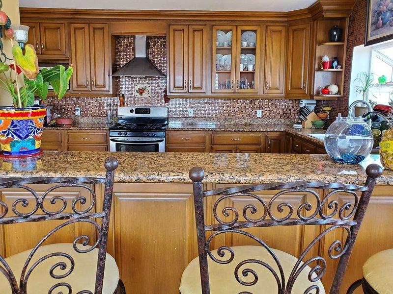 Beautiful large house, 3 bedroom, 2.5 bathrooms, location de vacances à Puerto Nuevo