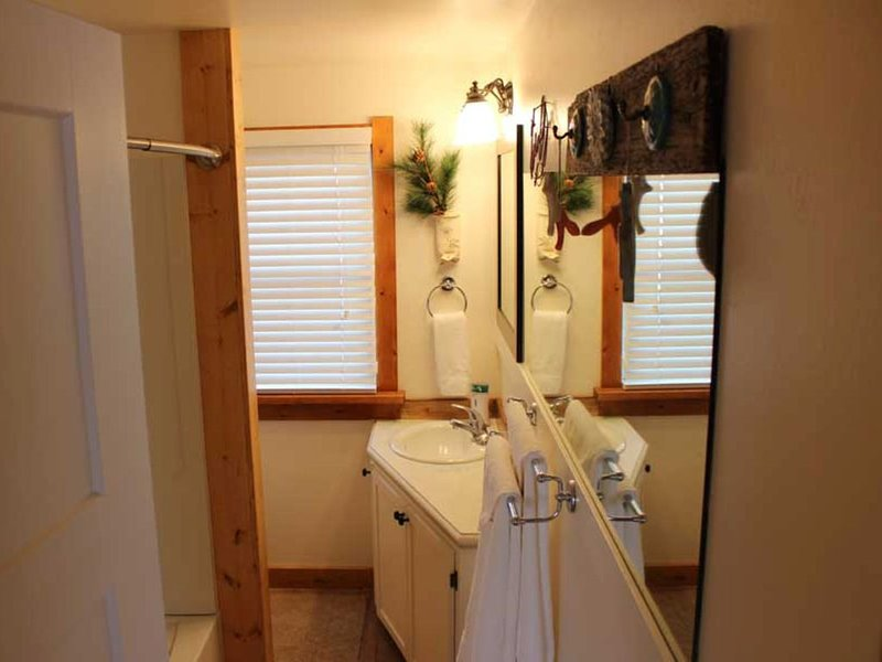 Wyo House - decorated in western motif, holiday rental in Laramie