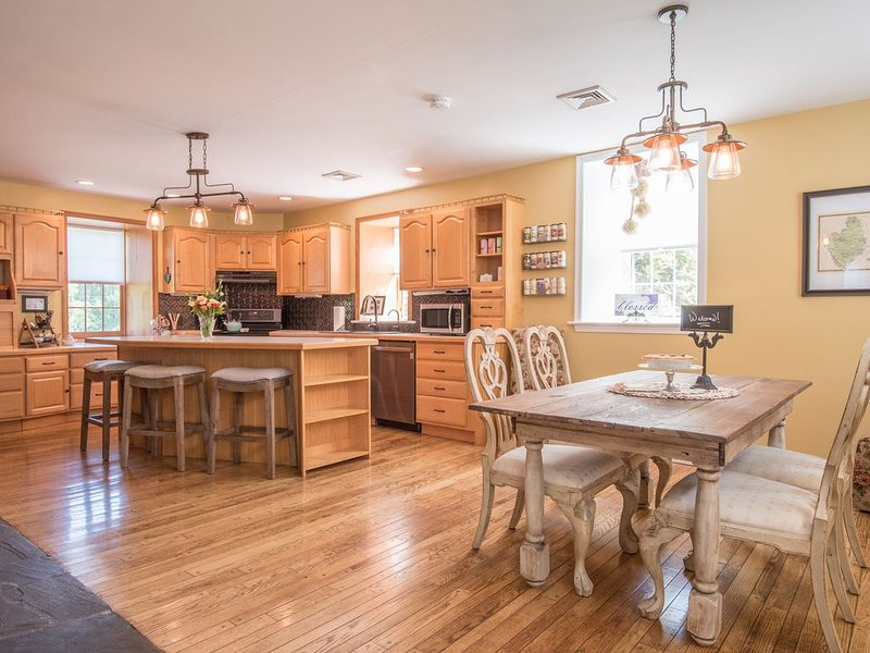 Stream to play in, Room for kids to run, Clean country air, holiday rental in New Providence