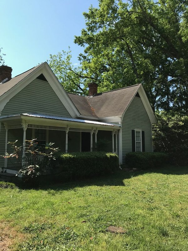Historic Downtown Watkinsville Cottage, holiday rental in Good Hope
