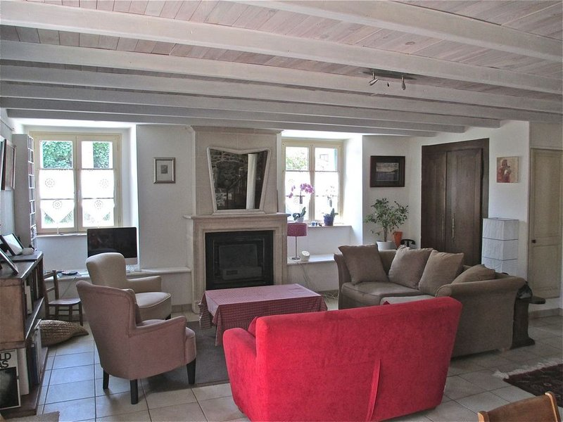 Charming and comfortable character house by the River Rance, vacation rental in Pleurtuit