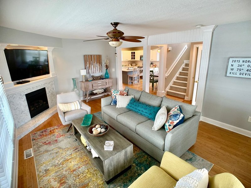 Beautiful vacation home in Kill Devil Hills. Enjoy the ocean and the sound., holiday rental in Kill Devil Hills