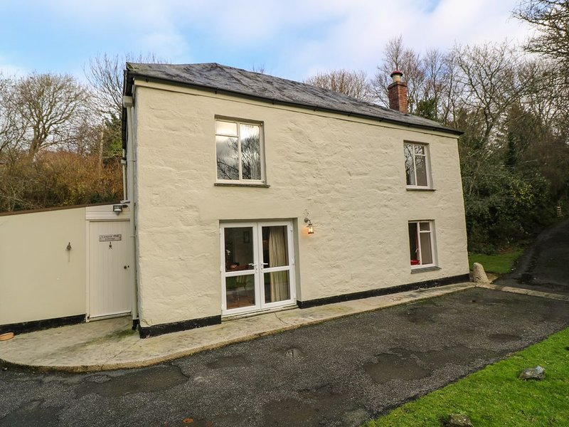 Lampra Mill Cottage, MULLION, vacation rental in Cury