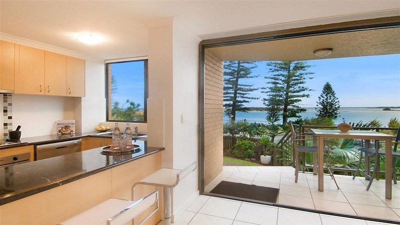 Allamanda U2,  - Awesome Location -, vacation rental in Caloundra