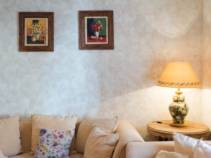 Casa Rural La Casa de la Vieja para 10 personas, holiday rental in Fuentelespino de Haro