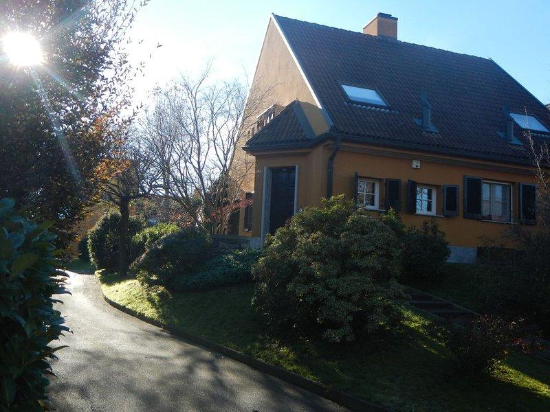 Villa nel campo di golf di Castelconturbia,  vicino ai laghi  e a Milano, casa vacanza a Agrate Conturbia