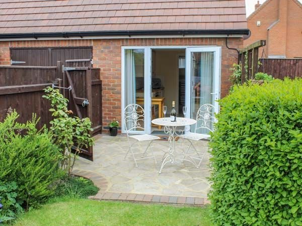 The Herb Garden, LOUTH, holiday rental in Louth