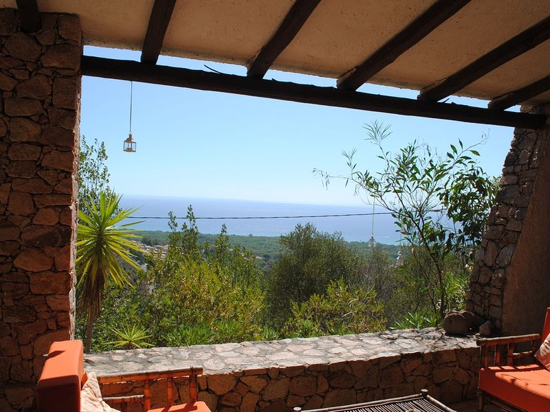 'Villa Pupa'paradiso nella roccia., holiday rental in Eden Rock