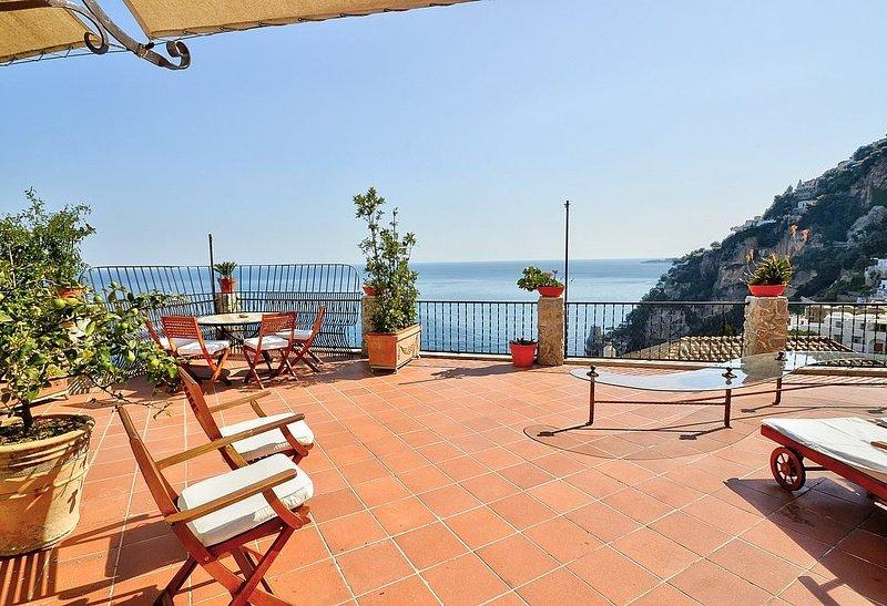 Villa Mitrea, rimborso completo con voucher*: Un luminoso ed elegante appartamen, Ferienwohnung in Positano