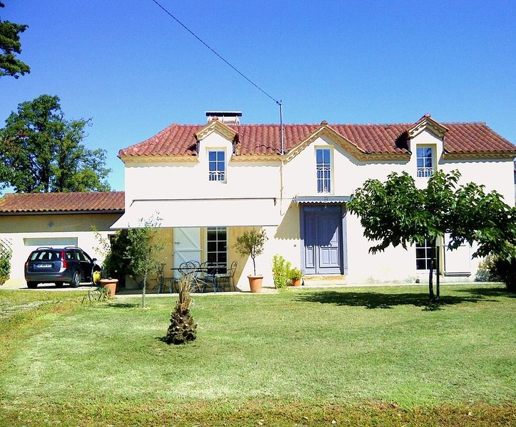 MAISON DE CHARME AU CŒUR DE LA GASCOGNE, holiday rental in Riscle