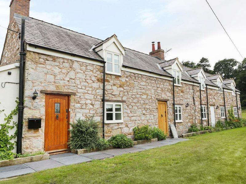 Bryn Farm Cottage, MOLD, holiday rental in Maeshafn