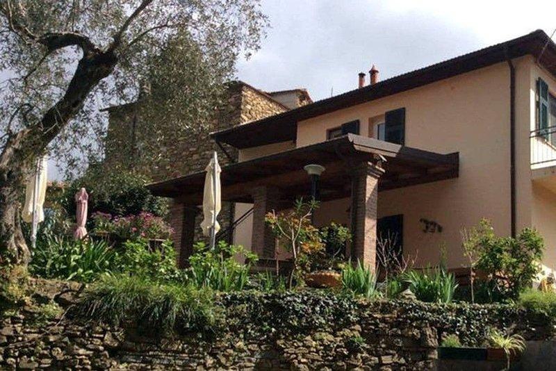 SWEET CASELLE, ospitalità diffusa Liguria di ponente Alassio-Andora, holiday rental in Vessalico