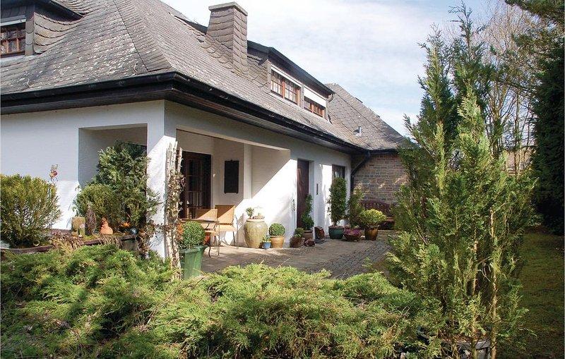 1 Zimmer Unterkunft in Schönecken, vacation rental in Orlenbach