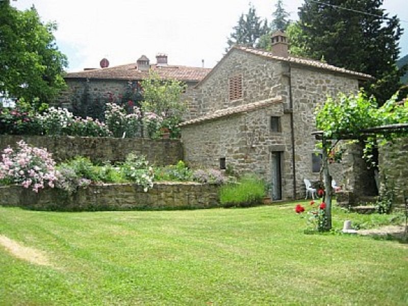 Cantina Di Bacco: Charming Cottage, Shared Pool And Valley Views near Florence, vacation rental in Londa