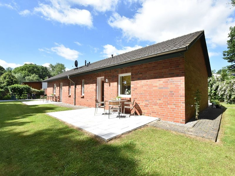Farm holiday home in Damshagen with garden seating and sauna, holiday rental in Reppenhagen