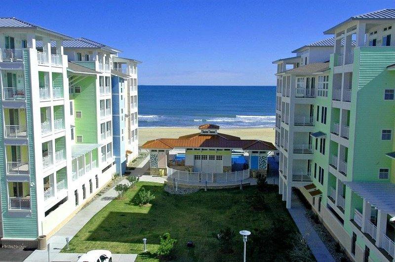 Sweeping Ocean Views and Bay Sunsets, OCEANFRONT. Wrap-around balcony., alquiler de vacaciones en Virginia Beach