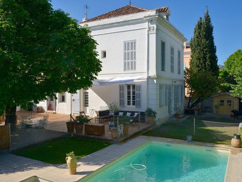MAISON DE CARACTERE A LA PORTE DES CALANQUES village de Mazargues zone classée, alquiler vacacional en Marsella