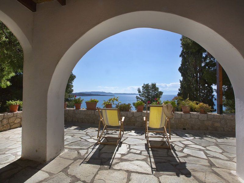 Wonderful summer house, holiday rental in Kilada