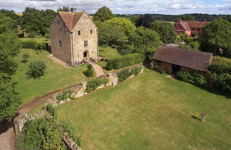 The Dovecote, in the grounds of Elizabethan Pauntley Court, is the perfect count, vakantiewoning in Dymock