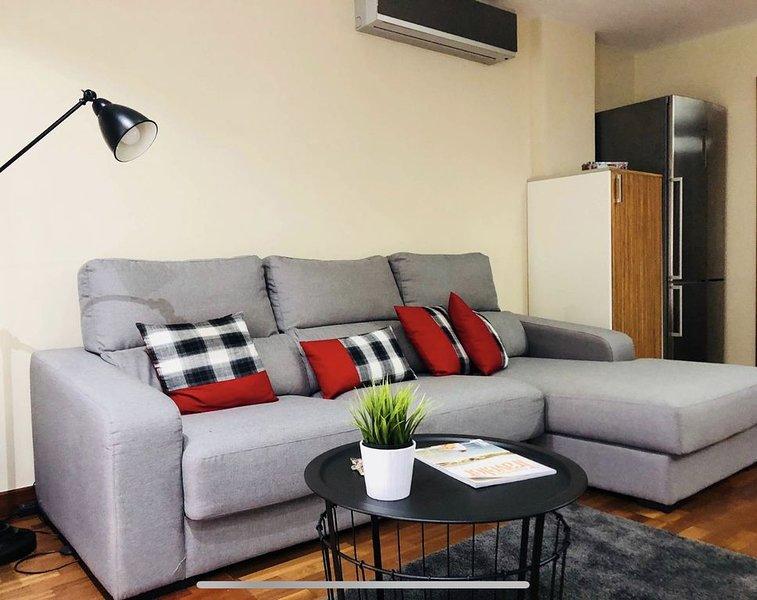 residencial élite. 3D, 2B, terraza y jardín + WIFI, holiday rental in Tamaraceite