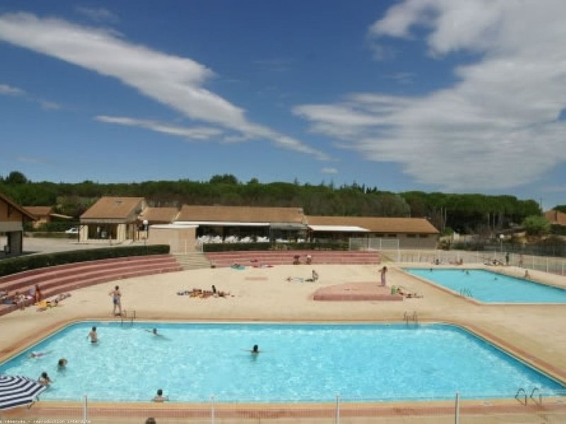 Villa 3 chambres à VALRAS - PLAGE en résidence privée avec piscines, plage, holiday rental in Vendres