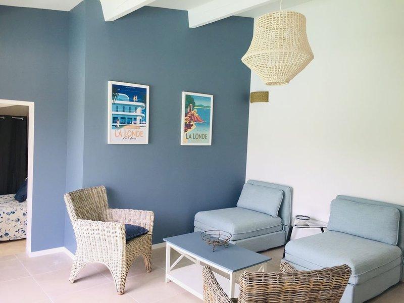 Maison de vacances proche des plages,jardin , piscine,jacuzzi ., casa vacanza a La Londe Les Maures