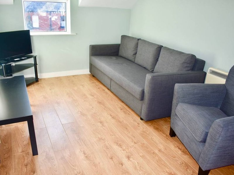 1 Bedroom Home in Dublin with Parking, holiday rental in Castleknock