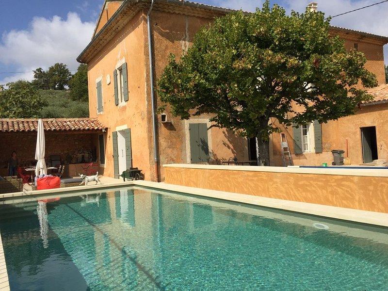 19e siècle Mas de  famille  restauré, lieu très privé, authenticité Mont Ventoux, holiday rental in Monieux