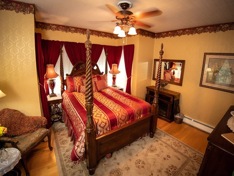 Ti Voglio Bene Bed & Breakfast - Wade Suite, holiday rental in New Richmond