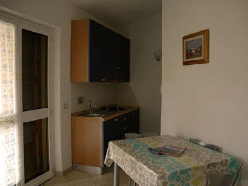 Monolocale Melograno Olivi di Piero, holiday rental in Bagno Roselle