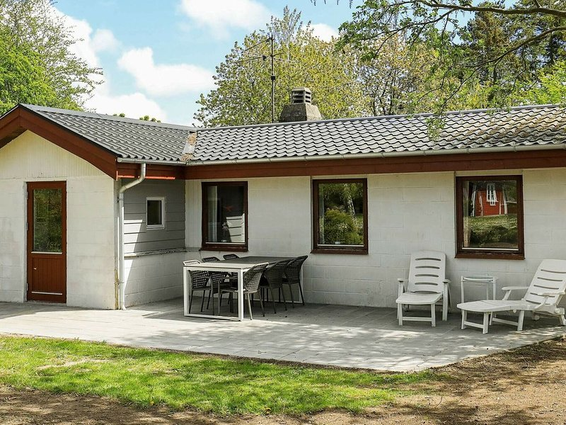 Cozy Holiday Home in Syddanmark with Barbecue, Ferienwohnung in Marstal