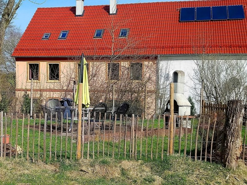 Apartment in the western part of the Sauerland on a farm with alpacas and horses, holiday rental in Reichshof