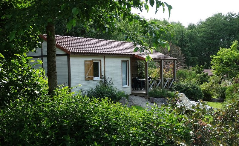 LE FAY : Chalet (Courlis) en bord d'étang en pleine nature., location de vacances à Geruge