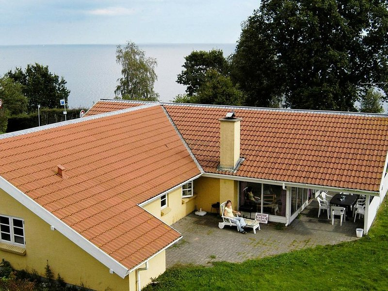 Spacious holiday home in Børkop with Sauna, vacation rental in Skive
