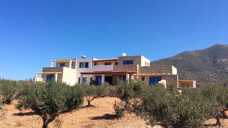 Near Elafonisi: a very spacious, family-friendly house with panoramic sea views – semesterbostad i Amigdhalokefali