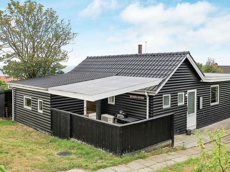 Luxurious Holiday Home in Esbjerg with Sea nearby, holiday rental in Sjaelborg