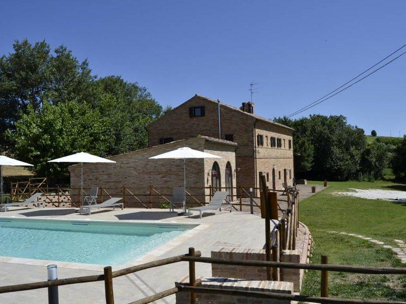 Forestale Luti App. Luigi, holiday rental in Appignano
