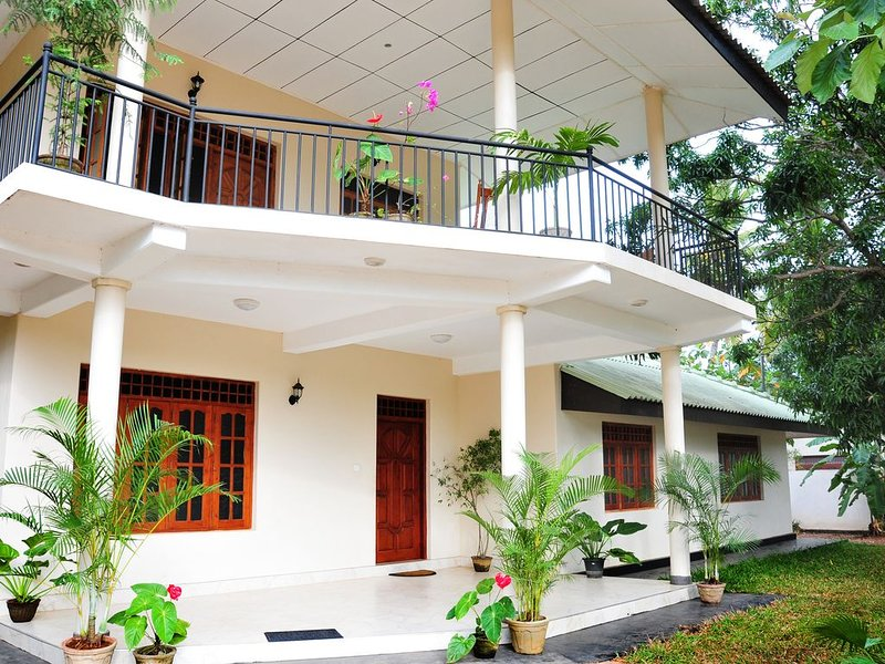 3 Bedroom Apartment in a Quite Location, alquiler de vacaciones en Anuradhapura