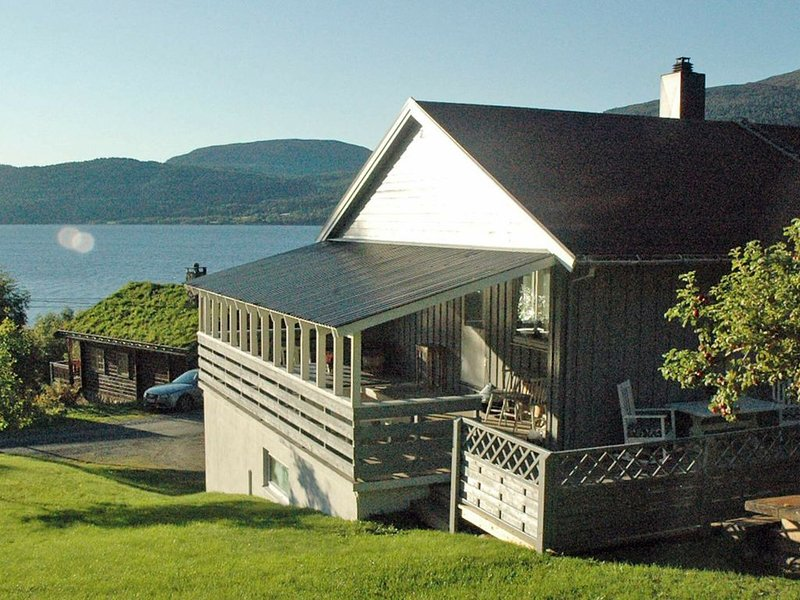 4 star holiday home in åfarnes, vacation rental in Eidsvag