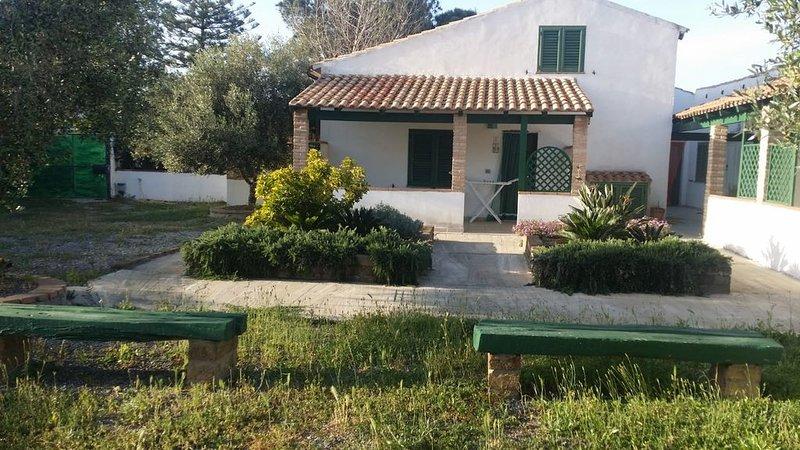 Splendido Villino Bilocale, casa vacanza a Calasetta