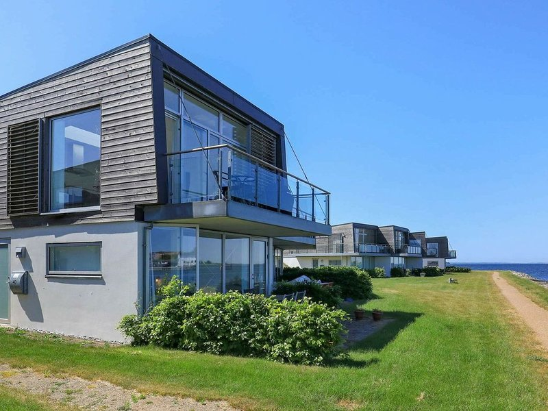 Modern Holiday Home in Stege Denmark with Terrace, holiday rental in Rødvig