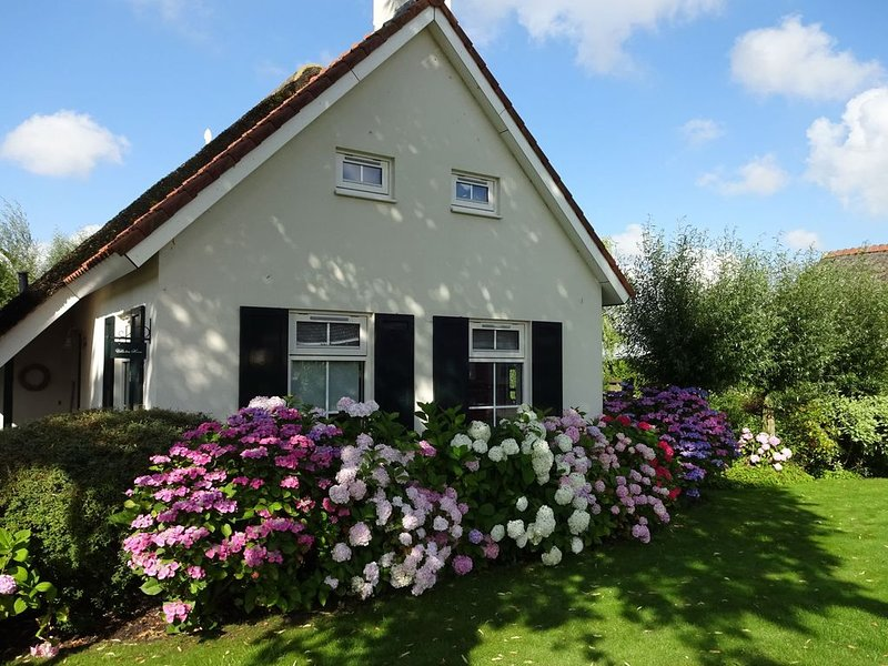 Charming Holiday Home in Steendam with Sauna, holiday rental in Steendam
