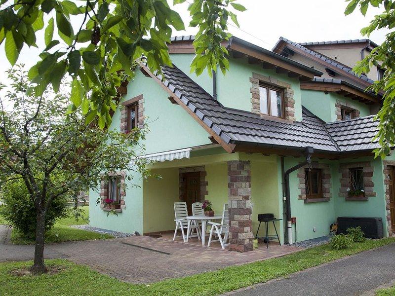 Maison de plain-pied avec verger, aluguéis de temporada em Epfig