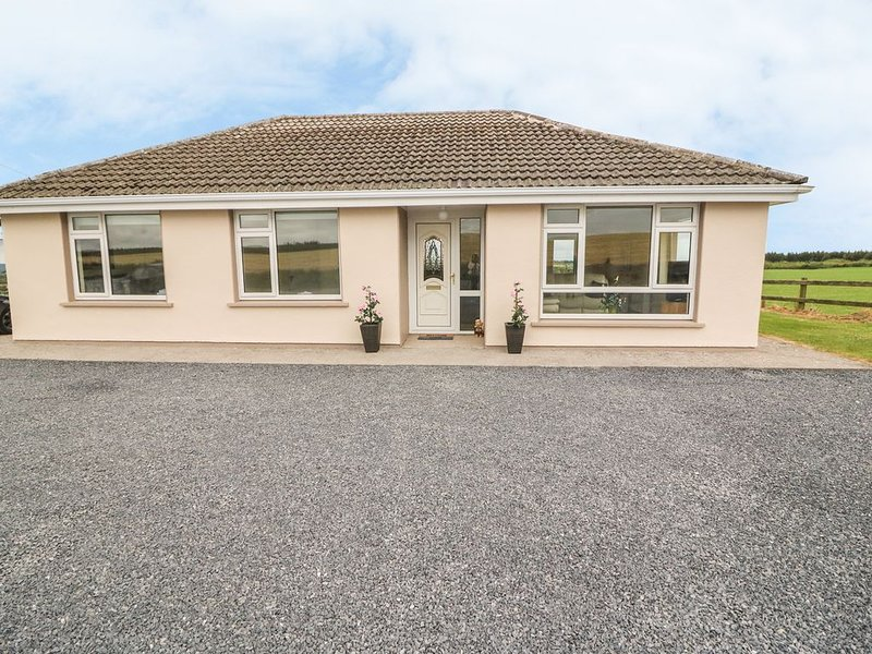 Fern Cottage, YOUGHAL, COUNTY CORK, vacation rental in Shanagarry