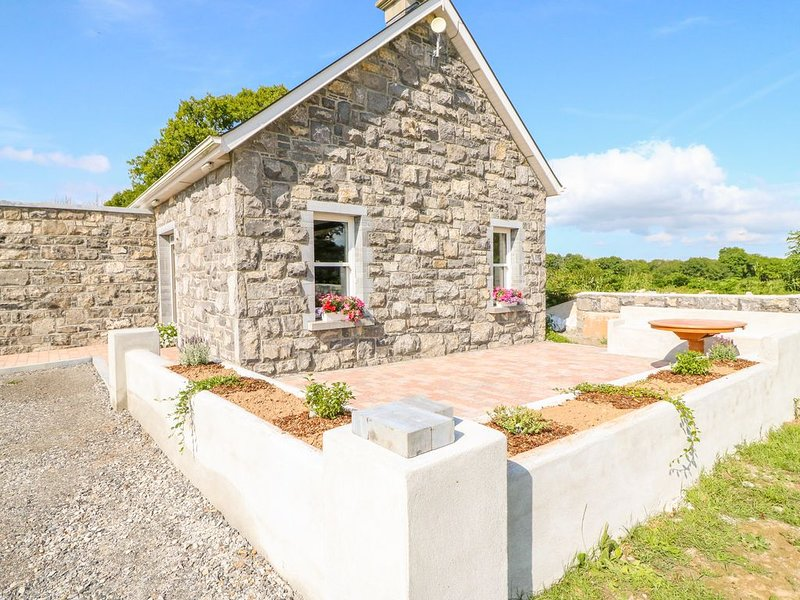 Shannonvale Cottage, NENAGH, COUNTY TIPPERARY, holiday rental in Terryglass