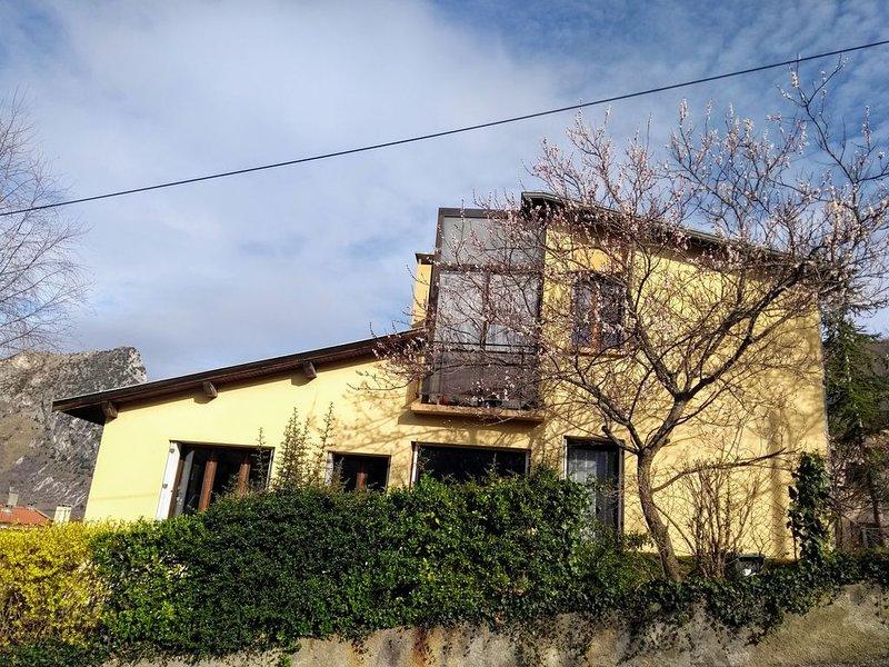 Meublé Le  Nopal  Bleu, location de vacances à Ussat